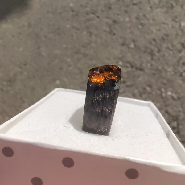 dřevěný prsten s pryskyřicí